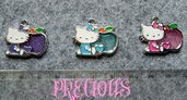 Charm Hello Kitty con  mela