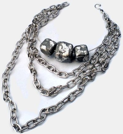 Etnic silver cubes and chains necklace