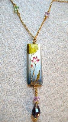 Ninfea collana fatta e dipinta a mano- gioielli fatti a mano