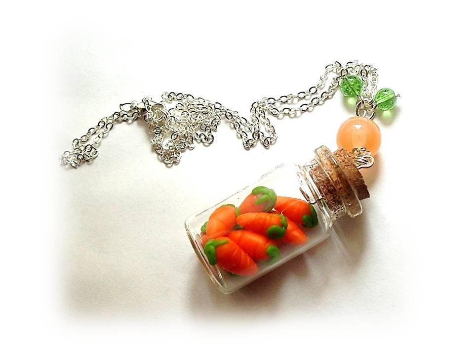 Collana bottiglietta carotine- fimo