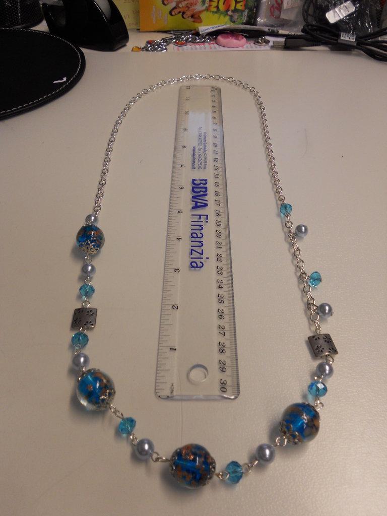 Collana catena con perle e pietre Blu
