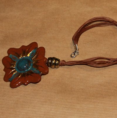 "Collana ""Brown flower"""