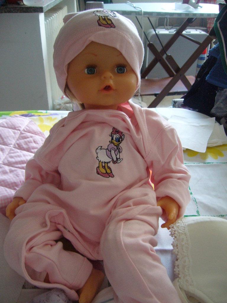 tutina bimba 9/12 mesi rosa con ricamata paperina