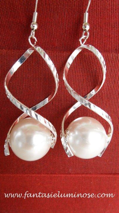 orecchini perlona e acciaio