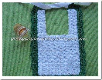 Babero ganchillo Verde con forro