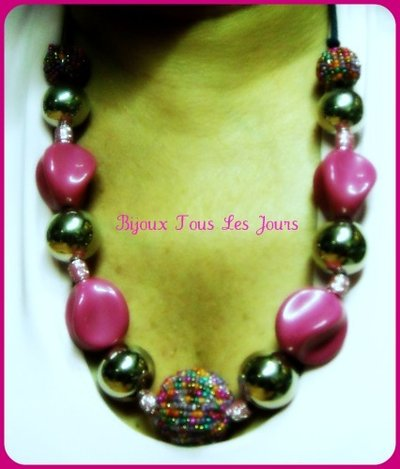 the necklace pink glamour