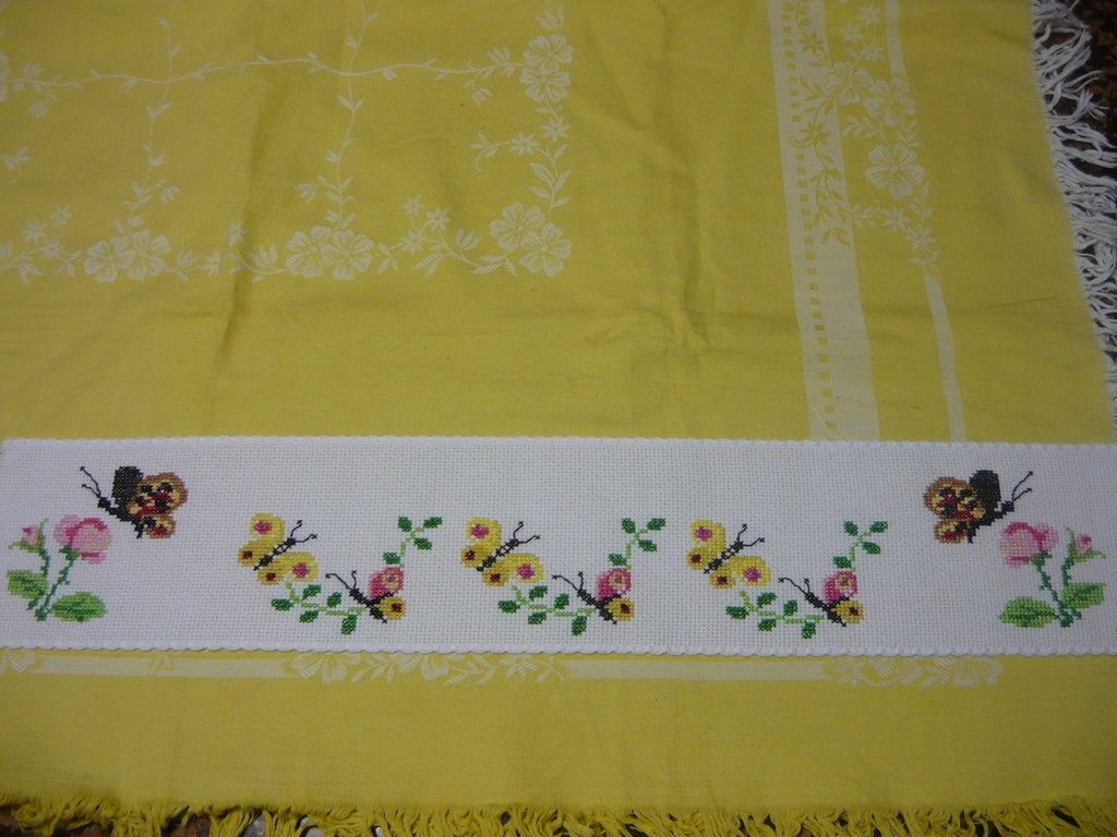 Bordura farfalle punto croce donna abbigliamento di for Schemi punto croce farfalle