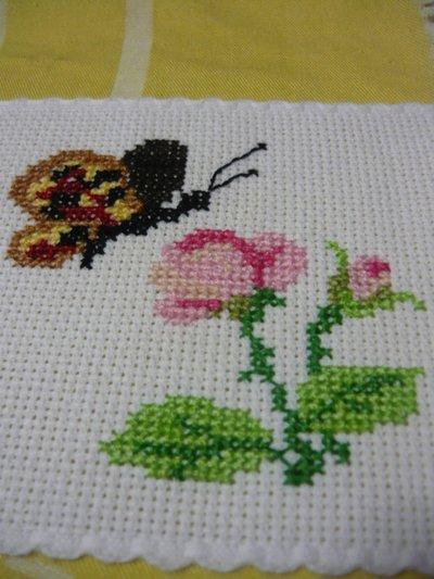 Bordura farfalle punto croce donna abbigliamento di for Piccole farfalle a punto croce