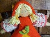 bambola Holly arancione