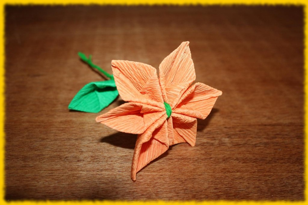 Fiore composito arancione