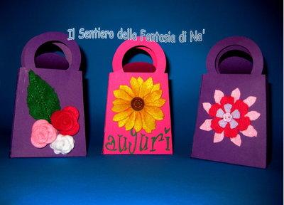 Sacchettino carta con fiori