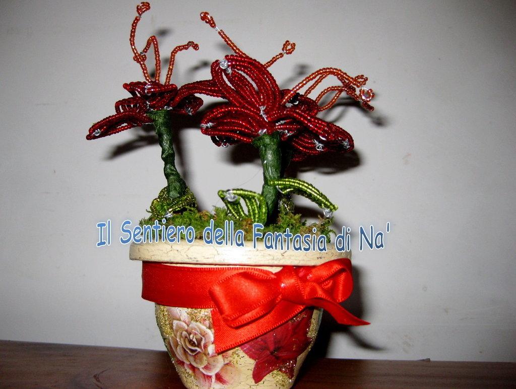 Vaso fiori perline e decoupage