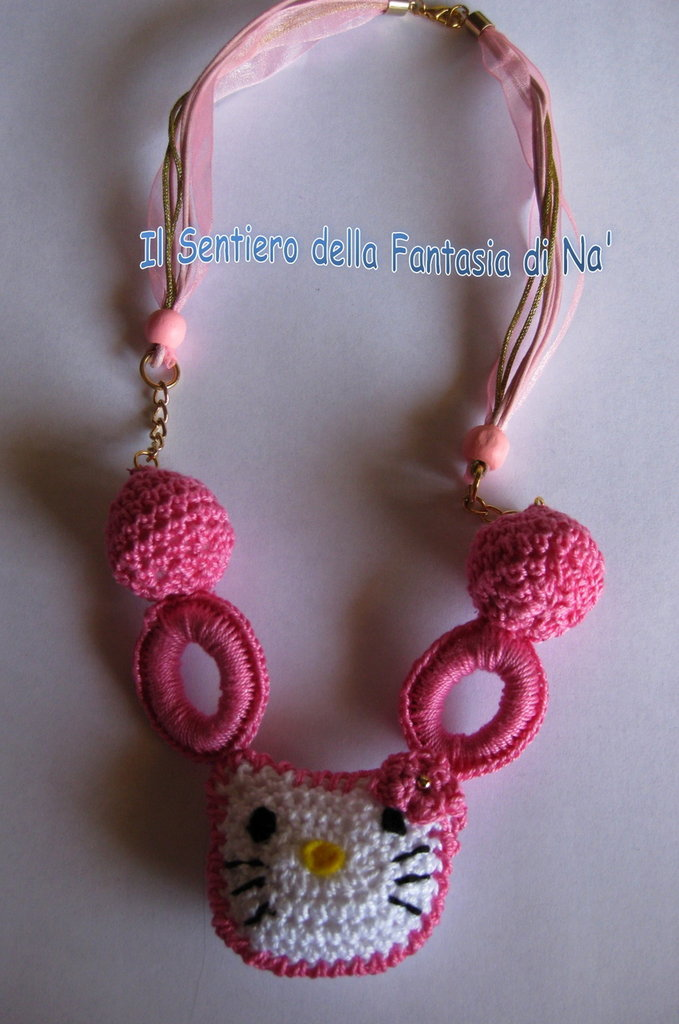 Collana Hello Kitty uncinetto rosa