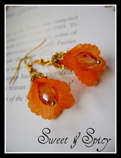 "FLOWERS COLLECTION-""GOLDEN SHADOW""  LUCITE FLOWER EARRINGS-ORECCHINI VINTAGE FLOREALI IN LUCITE"