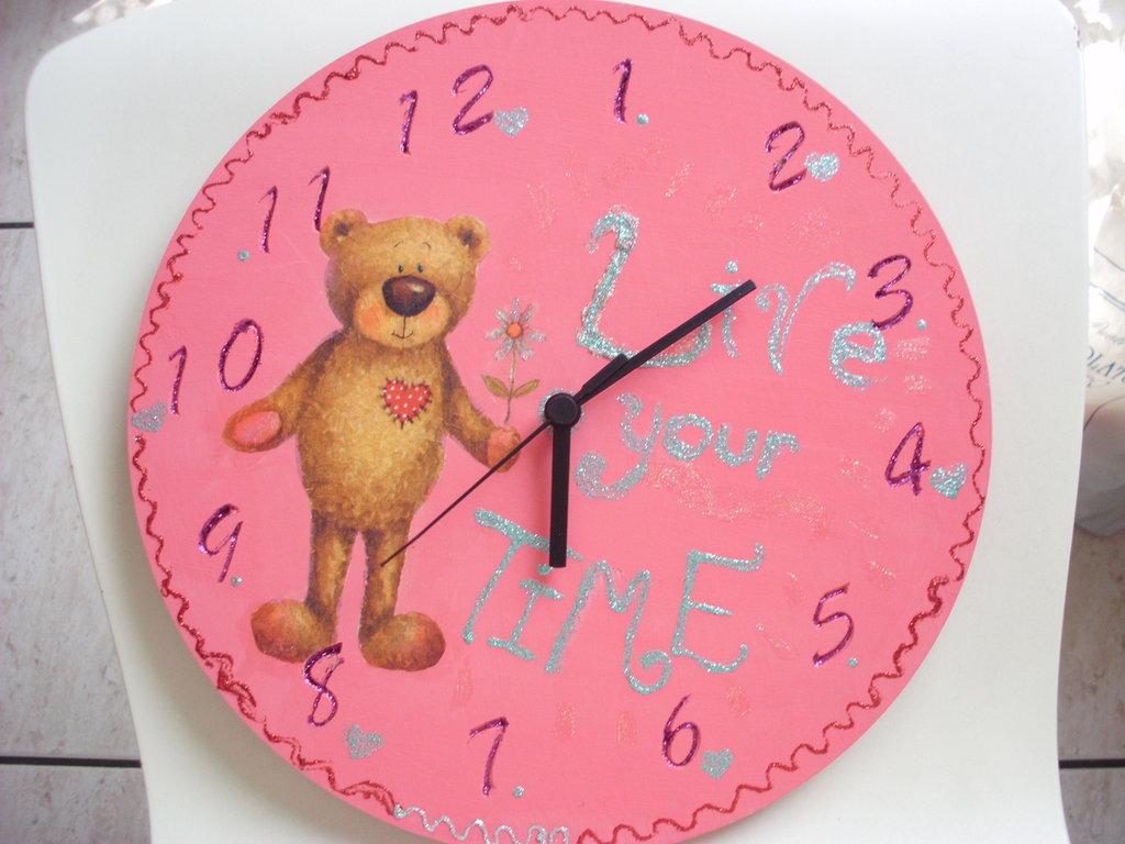 orologio decorato con decoupage