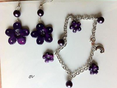 Orecchini e braccialetto fiori viola