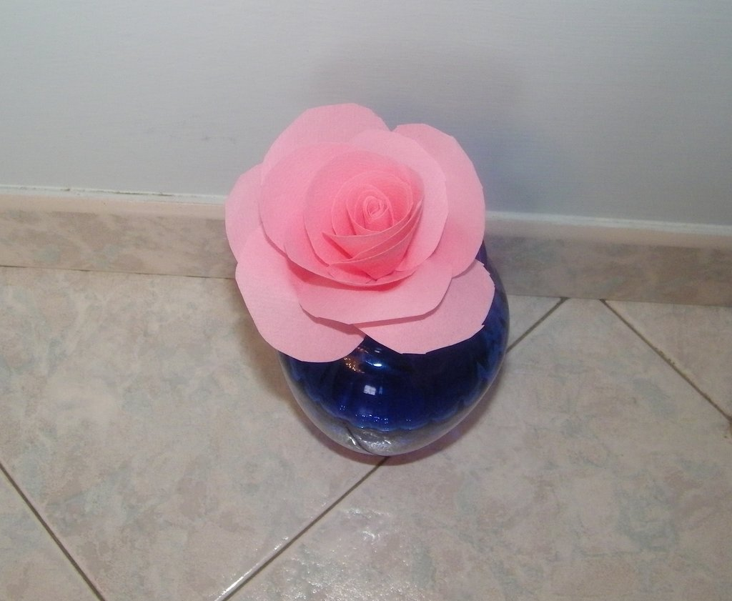fiore con tessuto non tessuto