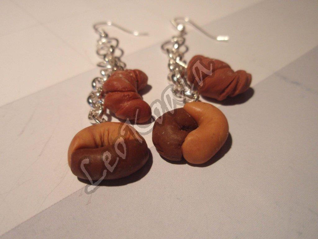 Orecchini pendenti ciondoli biscotti tipo abbracci e croissant