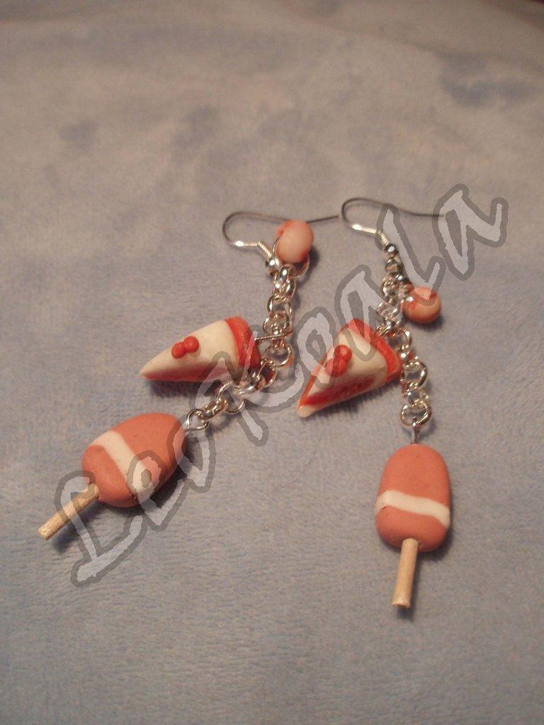 Orecchini pendenti perline ciondoli torta, fior di fragola handmade