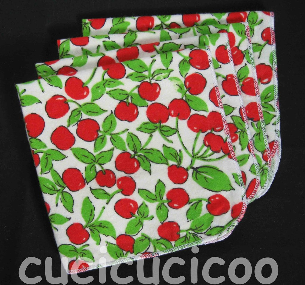 4 fazzoletti lavabili (ciliegie) / set of 4 cloth handkerchiefs – hankies (cherries)