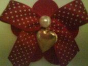 spilla feltro fiore con ciondolo cuore
