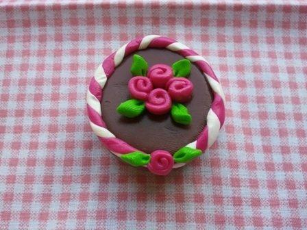 calamita torta al cioccolato e rose fucsia