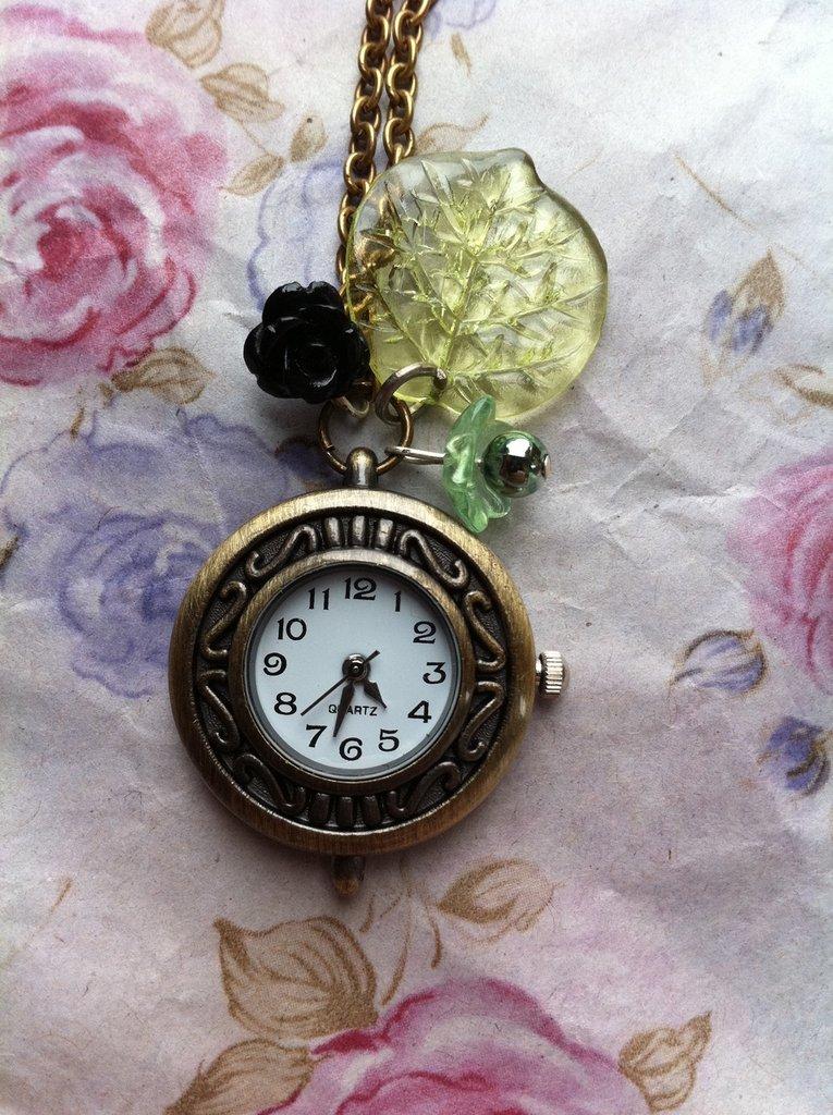 collana con orologino