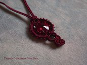 Ciondolo soutache bordeaux