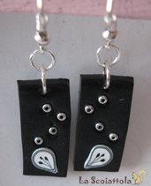Orecchini bianchi e neri #022