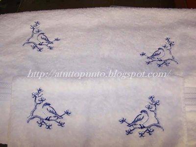 Asciugamani ricamati bianchi