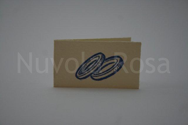 Bigliettino bomboniera blu con fedi