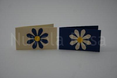 Bigliettino bomboniera blu con fiore