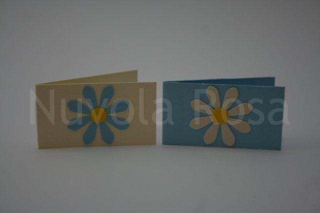 Bigliettino bomboniera celeste con fiore