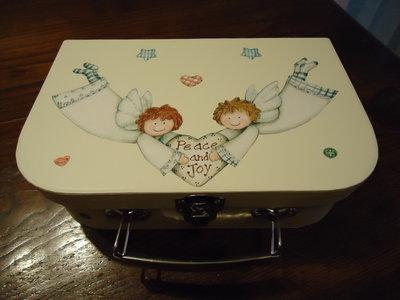 scatola forma valigetta