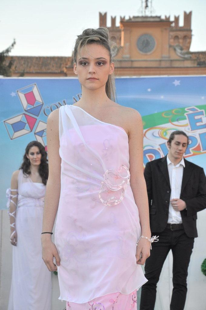 Abito Sposa bianco/rosa tg 42 + Gioielli