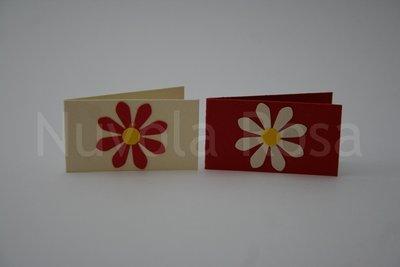 Bigliettino bomboniera rosso con fiore