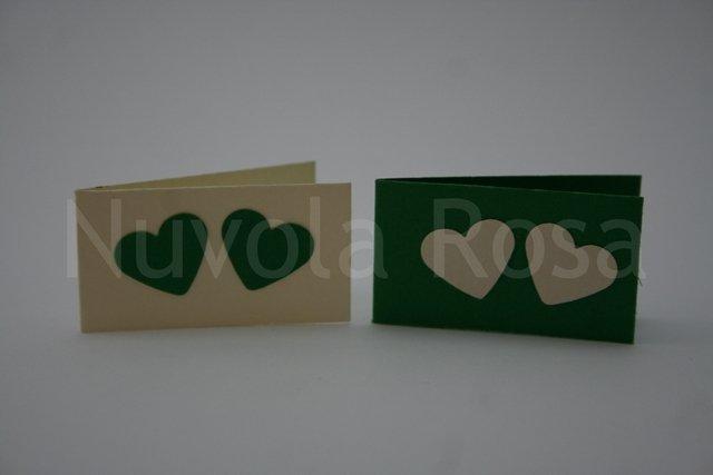 Bigliettino bomboniera verde con cuori