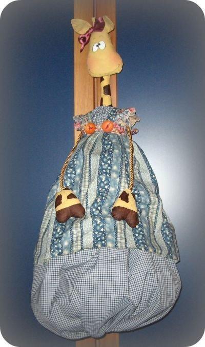 Raffy  Plastic bag holder