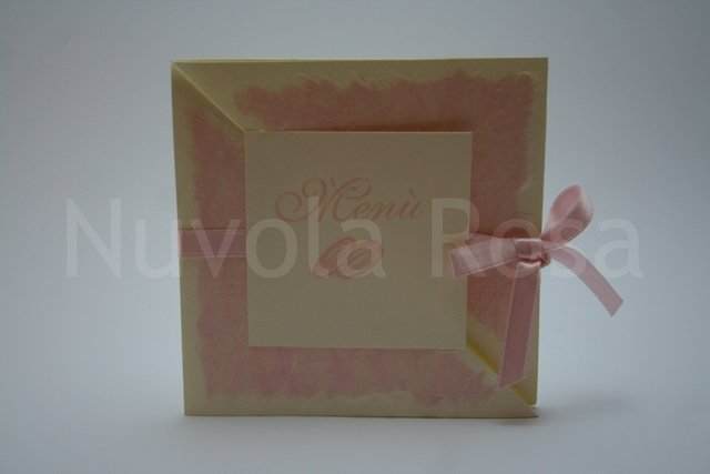 Menu matrimonio rosa con fedi tri-fold