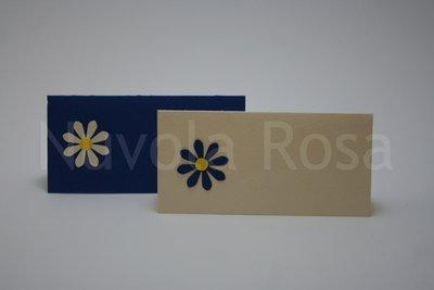 Segnaposto matrimonio blu con fiore
