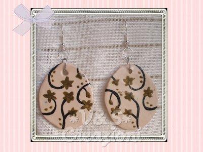 Orecchini ovali decorati a mano