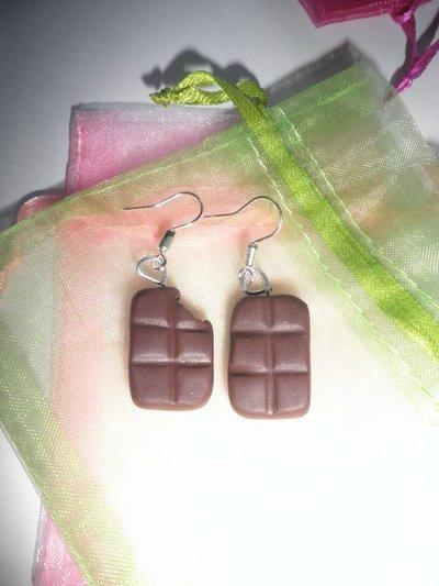 Orecchini in FIMO: Tavolette di cioccolato con morsetto  ~