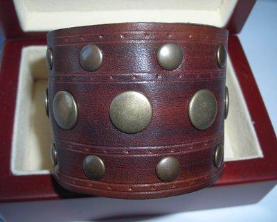 bracciale vintage in pelle cuoio borchiato
