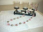 collana con rose e fiori in vetro