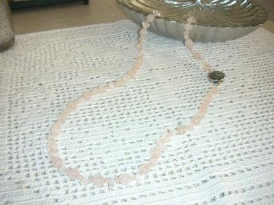 collana in quarzo rosa