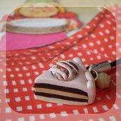 CAKE #3 phonestrap