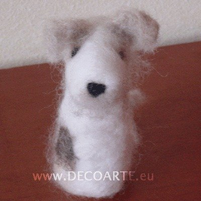 cane in feltro (wire fox terrier)