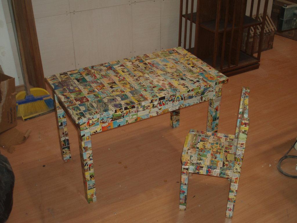 tavolino decoupage fumetti topolino con sediolina