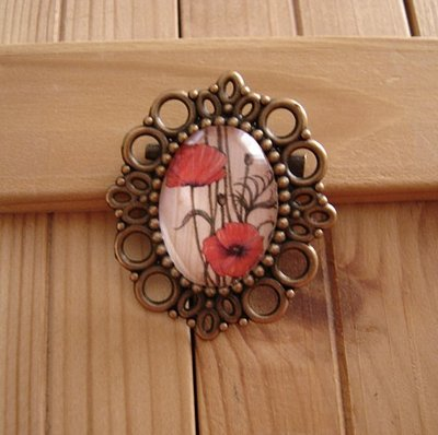 Poppies-Vintage  Cammeo Broche