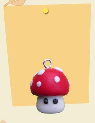 Ciondolo charm fungo mushroom in cernit
